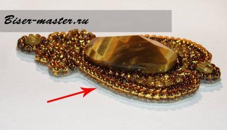 """Учимся вышивке бисером на примере кулона """"Золотая лилия"""". Часть 3."""